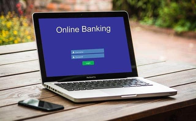 מתי כדאי לפתוח חשבון בנק עסקי?