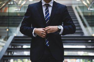 איך לבחור עורך דין למכירת דירה